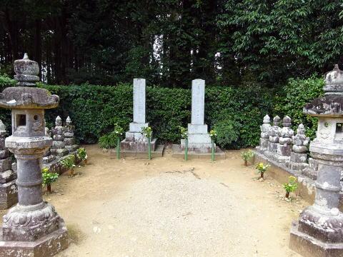 龍潭寺墓所